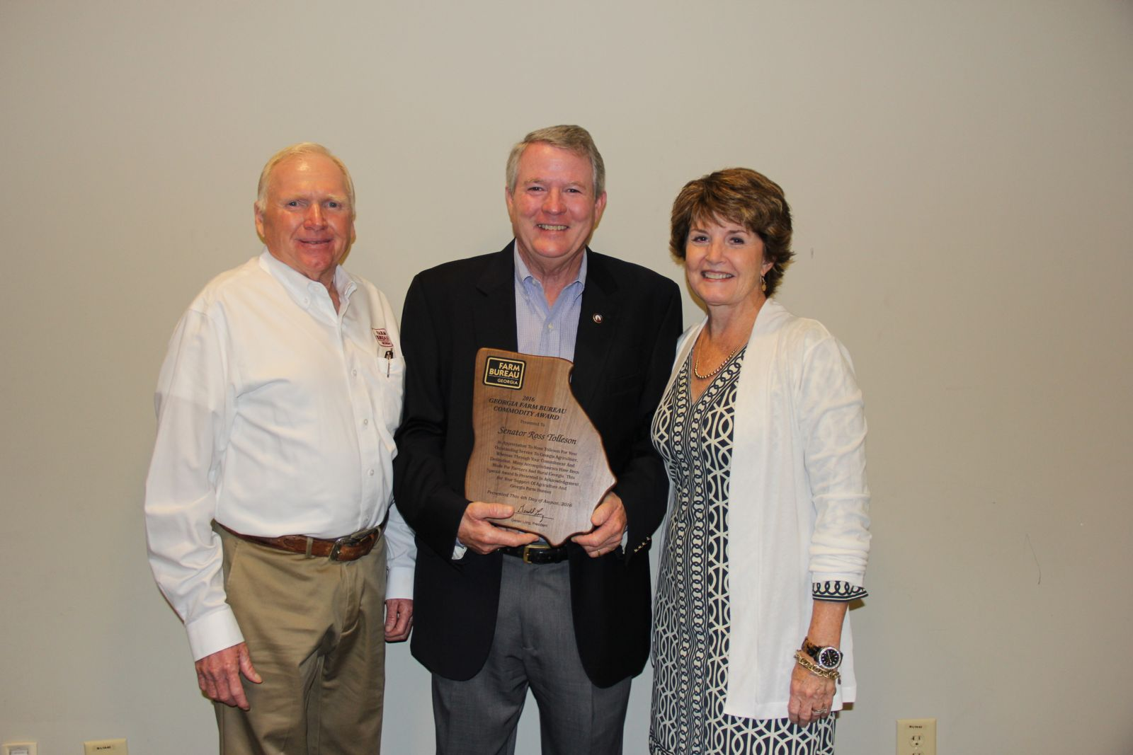 Ross Tolleson  Receives Commodity Award